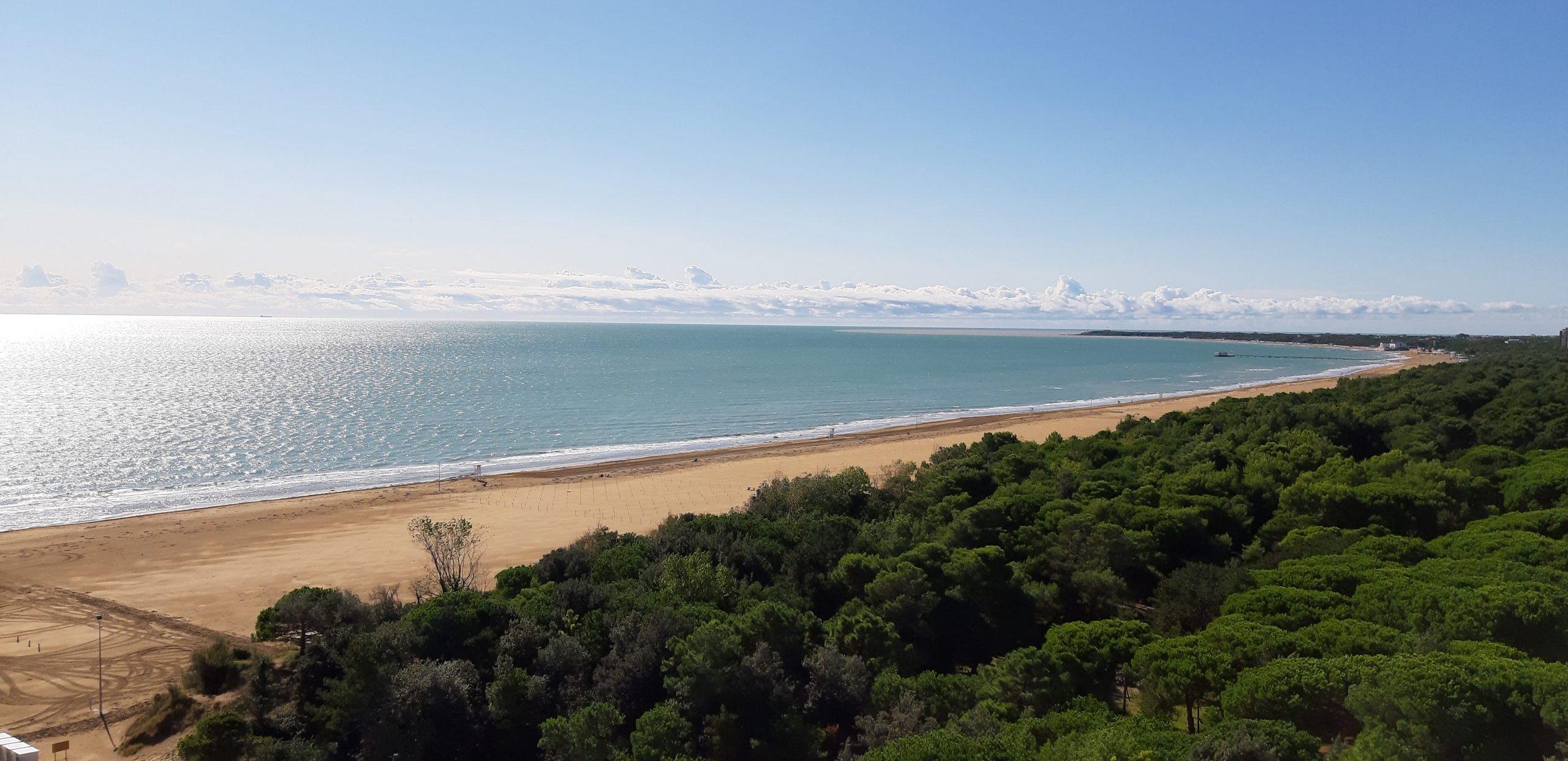 La spiaggia, il mare e la pineta di Lignano